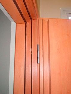 Porta de madeira maciça acústica