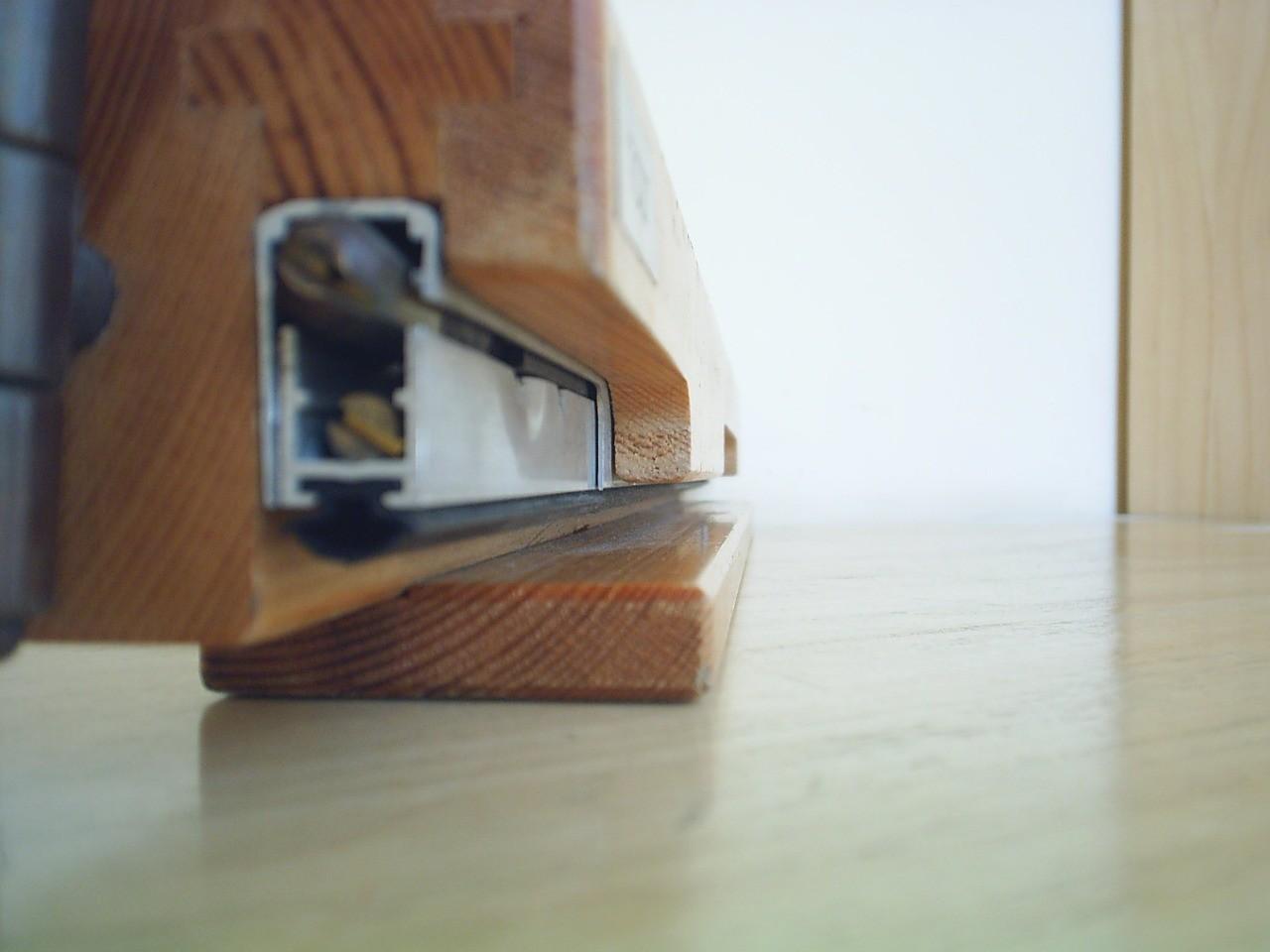 Porta de madeira maciça para sala preço